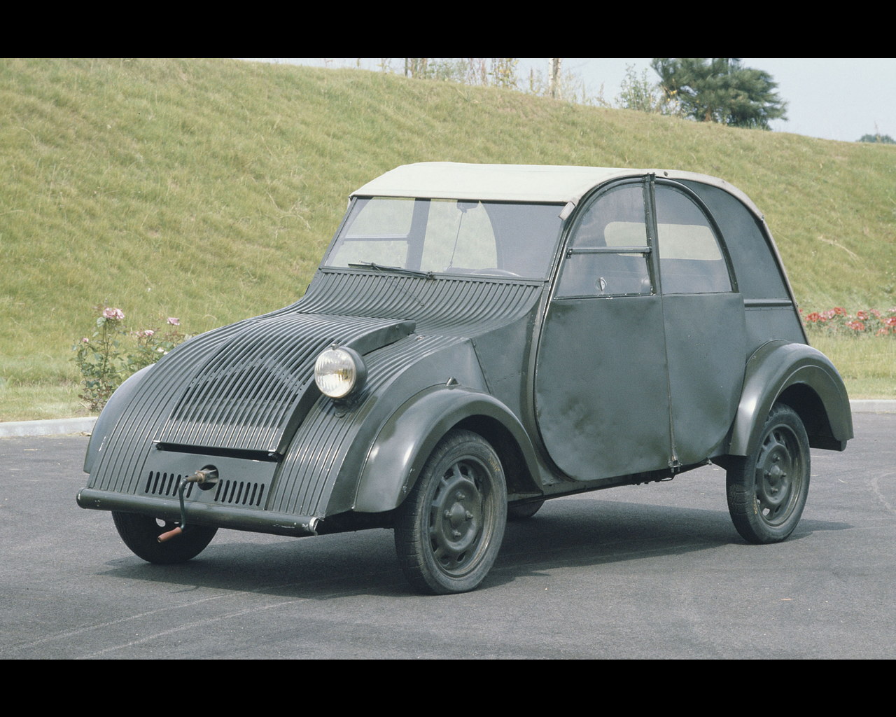 citroen 2 cv 1939 prototype. Black Bedroom Furniture Sets. Home Design Ideas