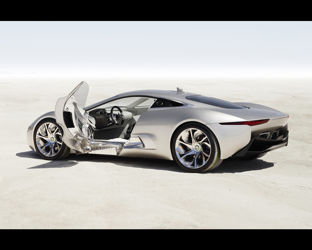 Merveilleux Jaguar C X75 Concept 2010 Plug In Electric Car With Gas  Turbines Propelled Range Extender