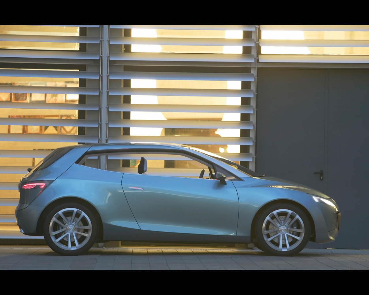 http://autoconcept-reviews.com/cars_reviews/mazda/mazda-sassou/wallpaper/mazda_sassou_2005_015_print.jpg